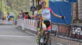 Nella 3° tappa Casut-Cimolais a Vacek, Piccolo si prende il Giro