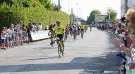 Andrea Gatti anticipa la volata di gruppo a Prevalle